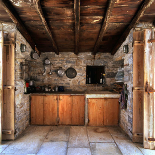 Katerina-Tsigarida-Architects-Primitive-Hut-4