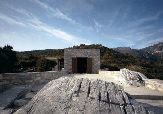 Katerina-Tsigarida-Architects-Primitive-Hut-8