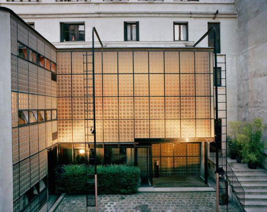 glass-house-maison-de-verre-franc%cc%a7ois-halard-001