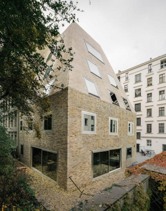 archaic_BarkowLeibinger_ApartmentHouse1-544x693.jpeg