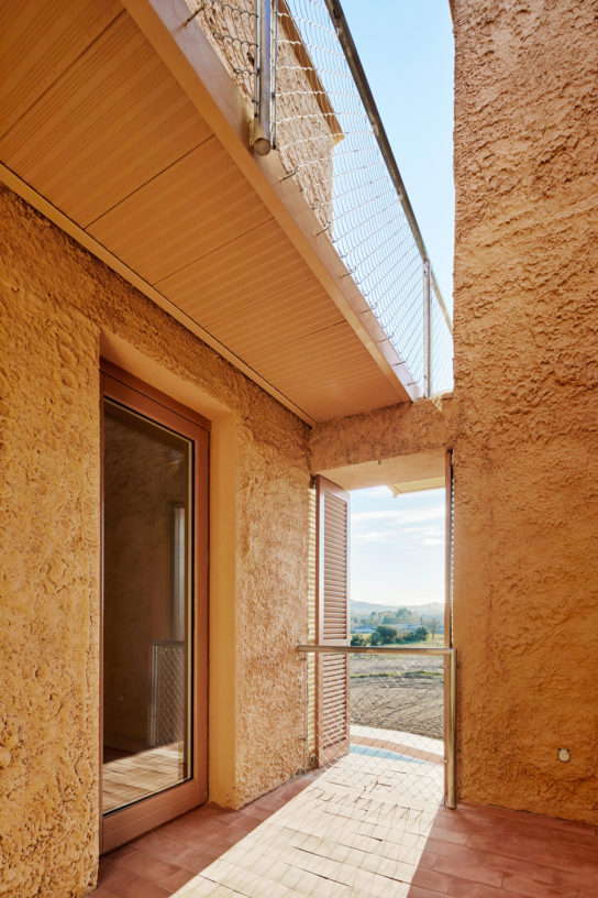 archaic_Arquitectura-G_ViviendaSantaMargarida22-544x816.jpeg