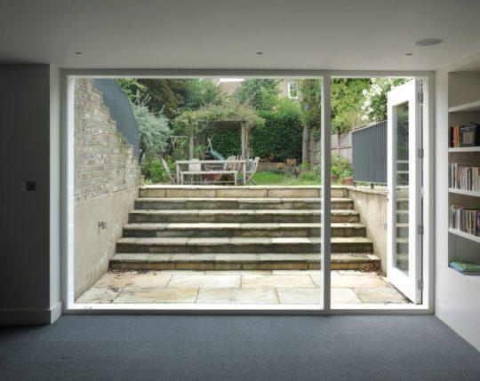 archaic_dow-jones-architects-david-grandorge-blenkarne-road_12-540x429.jpg
