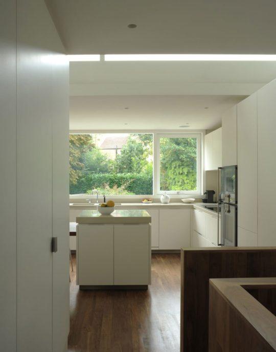 archaic_dow-jones-architects-david-grandorge-blenkarne-road_5-540x688.jpg