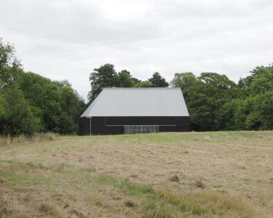 archaic_jonathan-hendry-architects_villagehall1-540x431.jpg