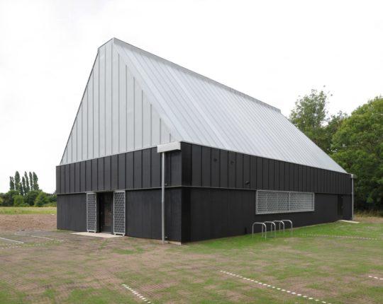 archaic_jonathan-hendry-architects_villagehall2-540x430.jpg