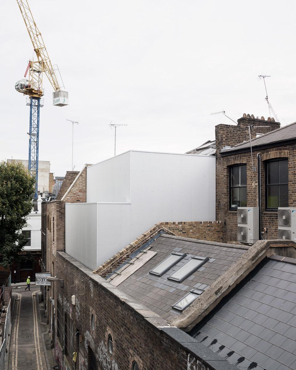Carmody-Groarke-Artist-Studio-Hoxton-exterior-03.jpg