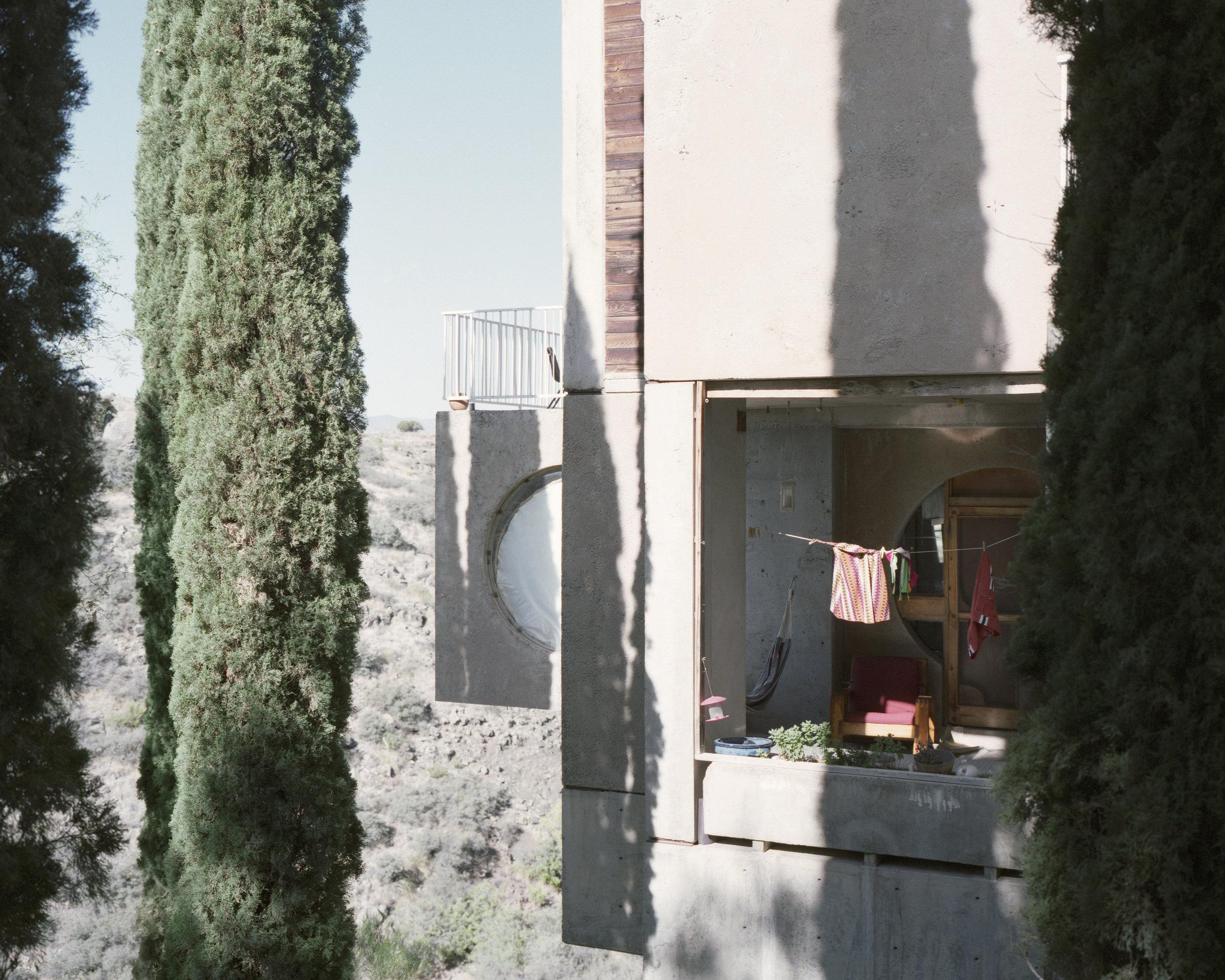 archaic_AlbertoSinigaglia_Arcosanti8.jpg