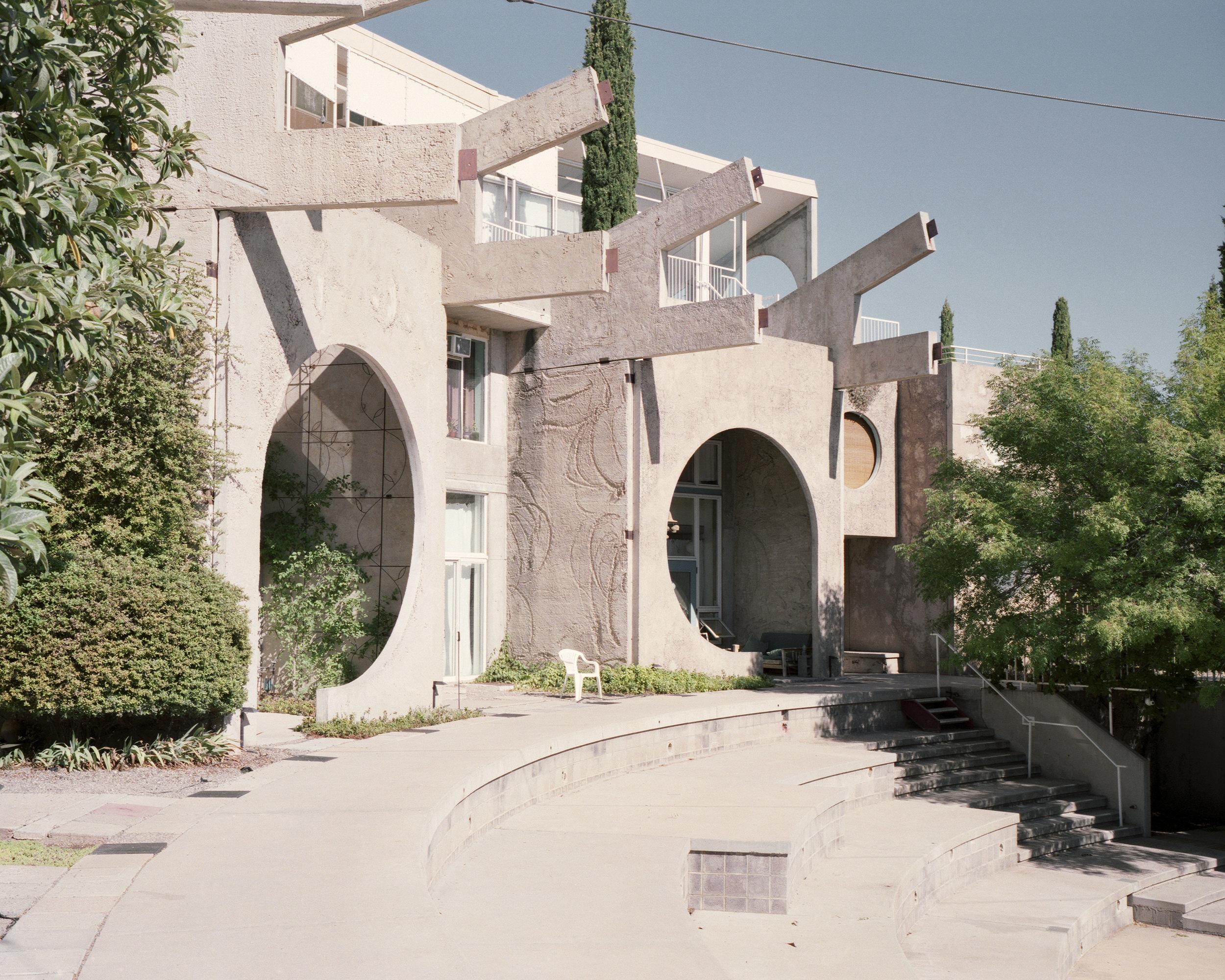 archaic_AlbertoSinigaglia_Arcosanti11.jpg