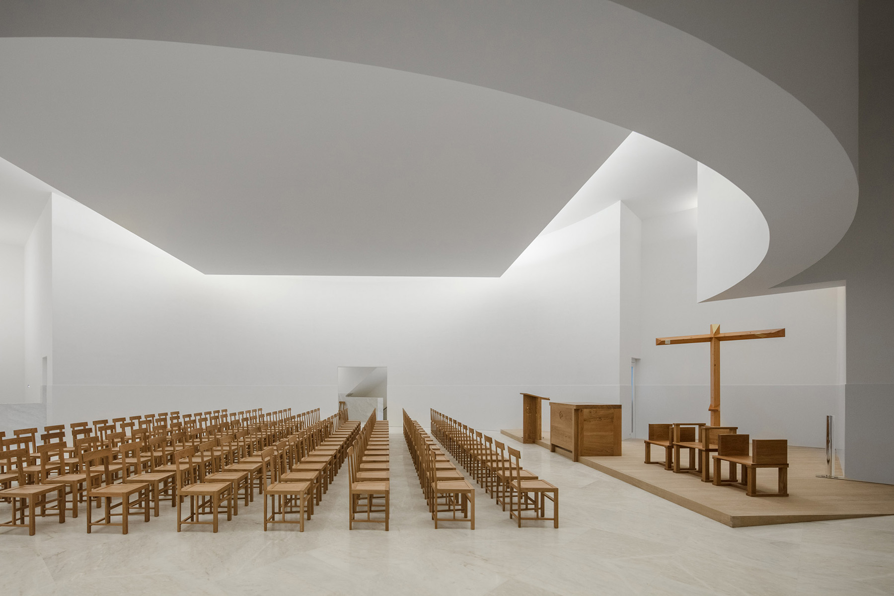 archaic_alvarosiza_church_6.jpg
