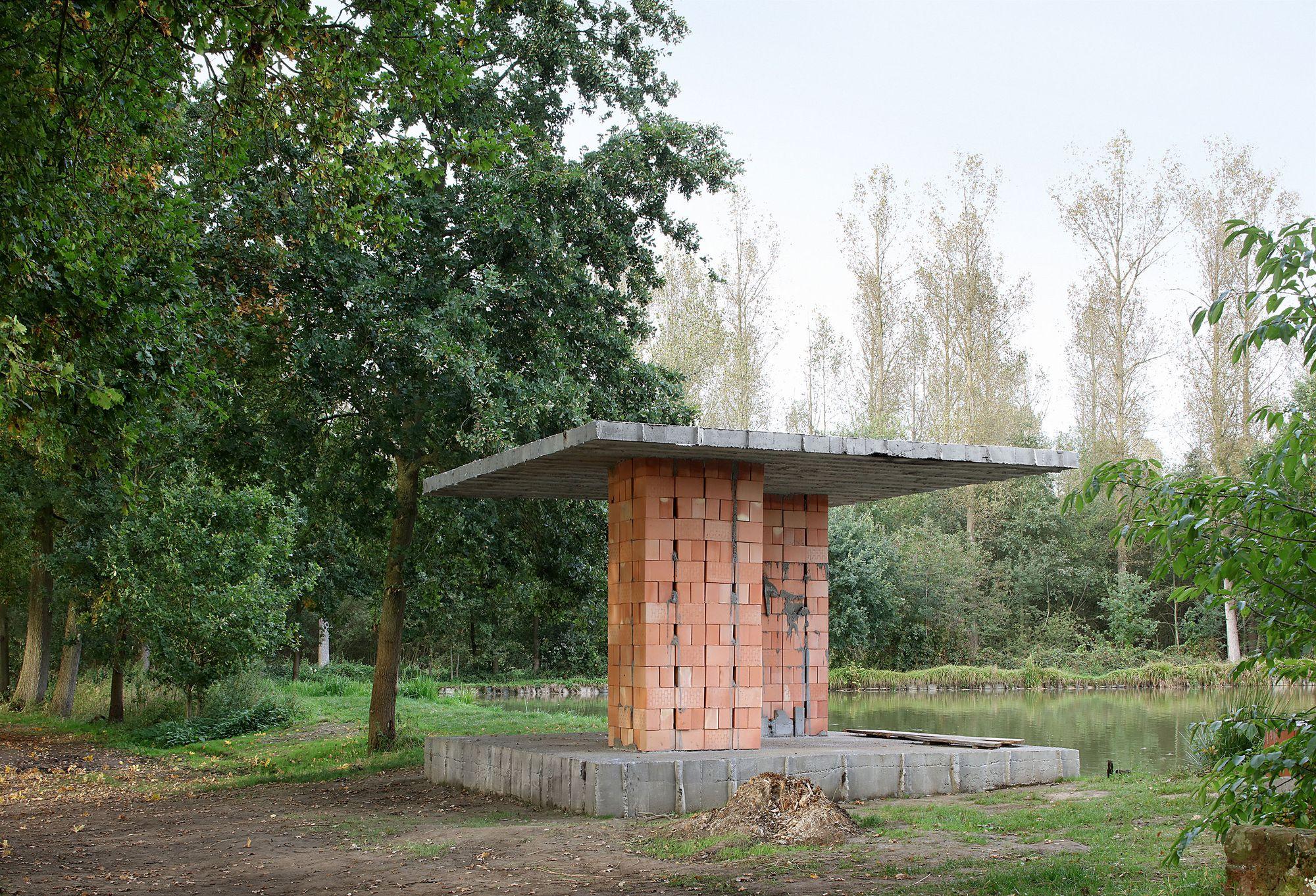 archaic_DeVlyder_Pavilion_1.jpg