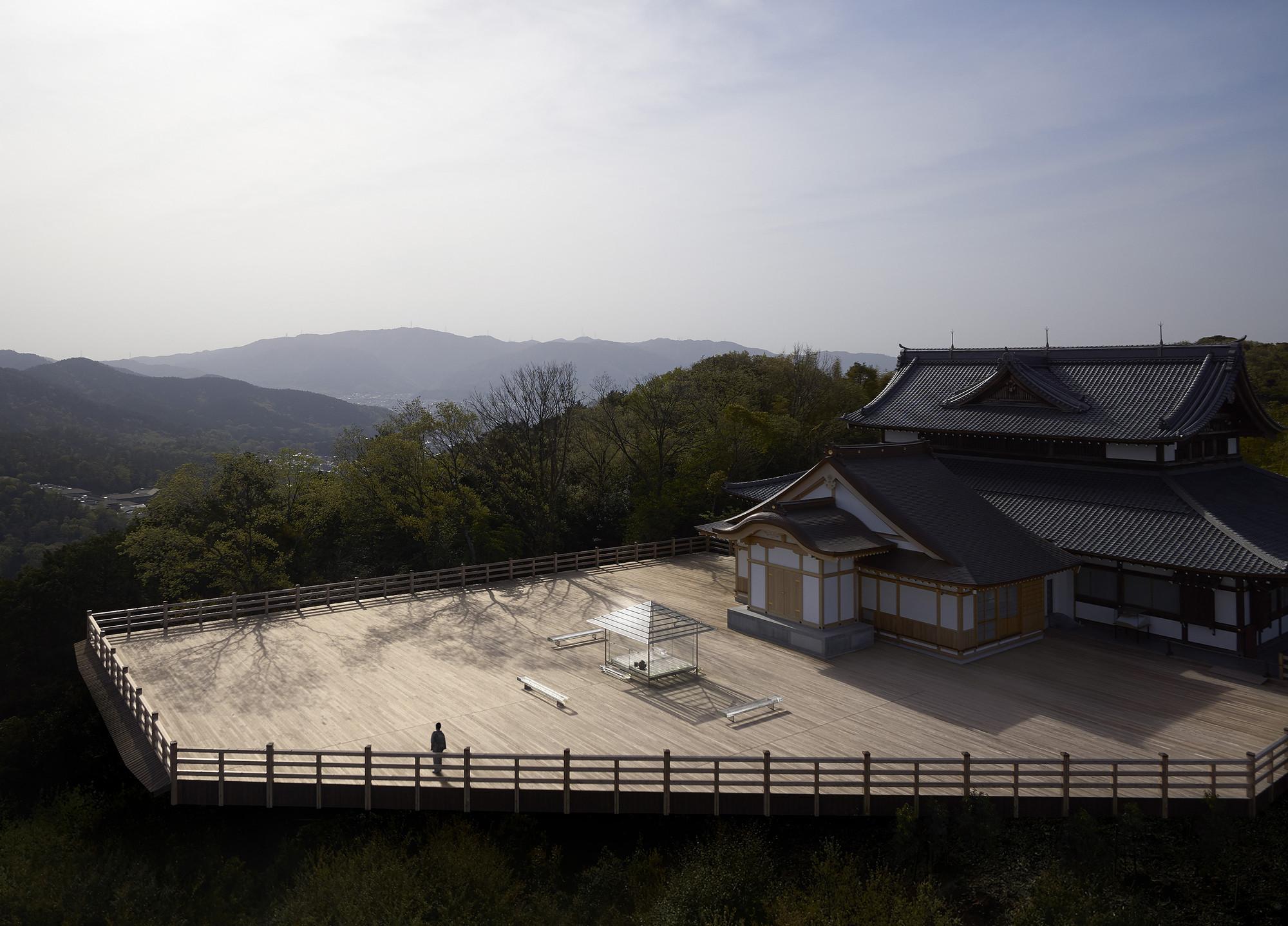 archaic_TokujinYoshioka_GlassHouse_25.jpg