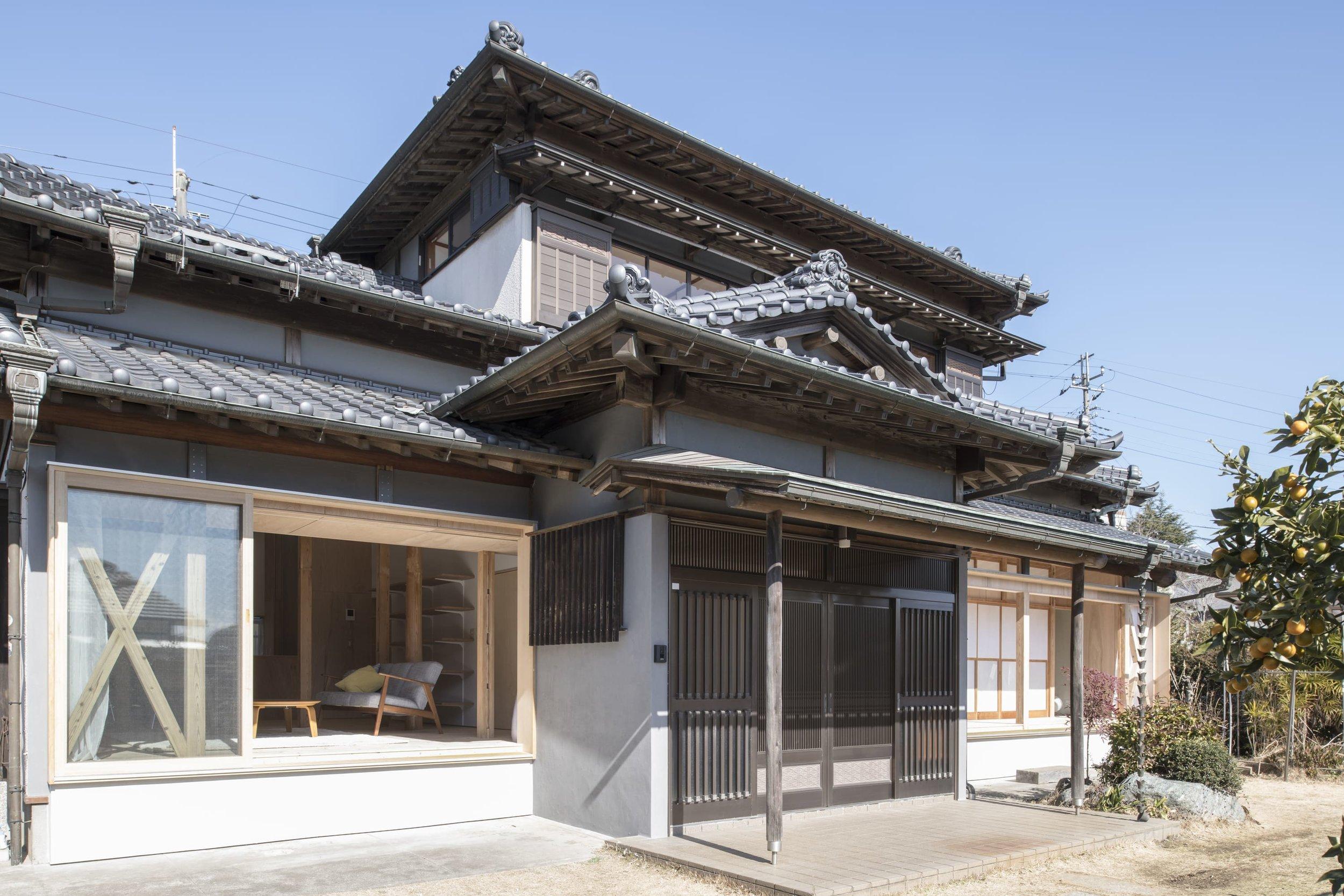 archaic_tokudaction_HouseinSakura_1.jpg