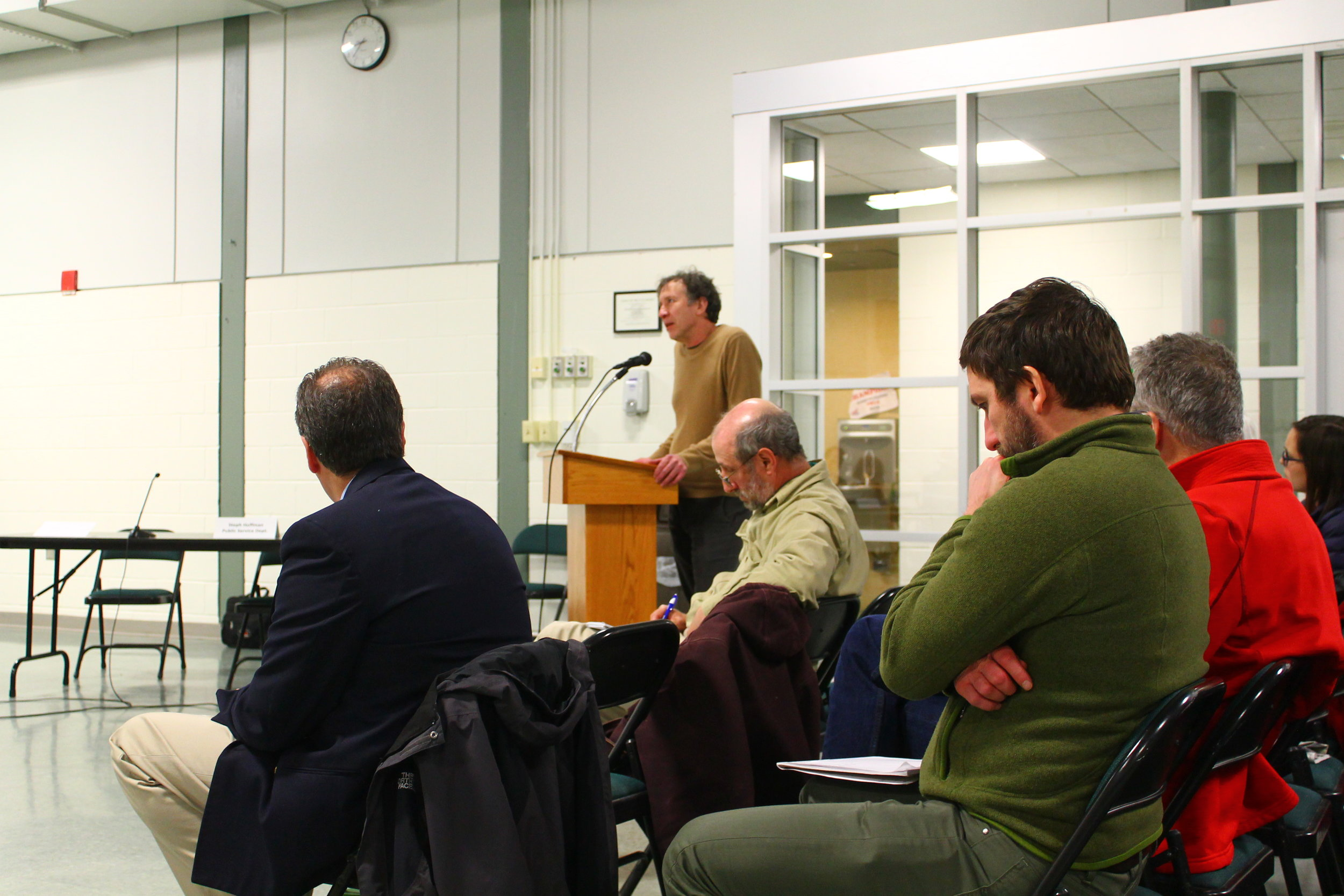 Dr. Tom Webler speaking during a public comment session at a Vermont Yankee Community Advisory Panel meeting.