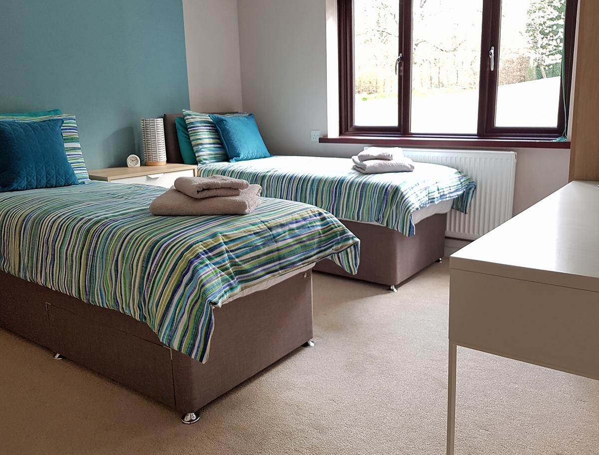 Twin room1.jpg