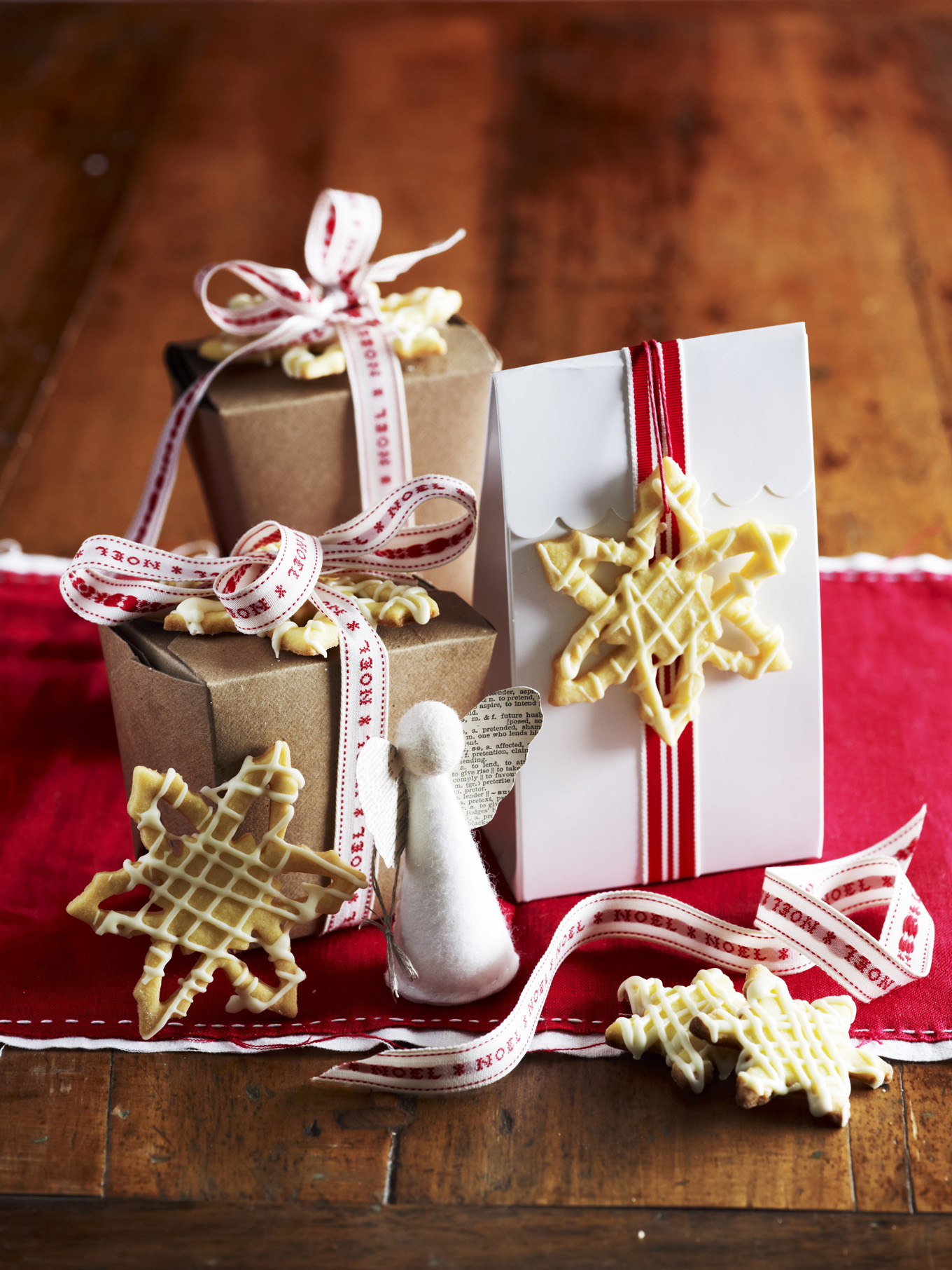 Christmas Gifts and Edible Presents - It's closer than you think! Stuck at what to give this year, well homemade edible gifts are the perfect answer.6 places available