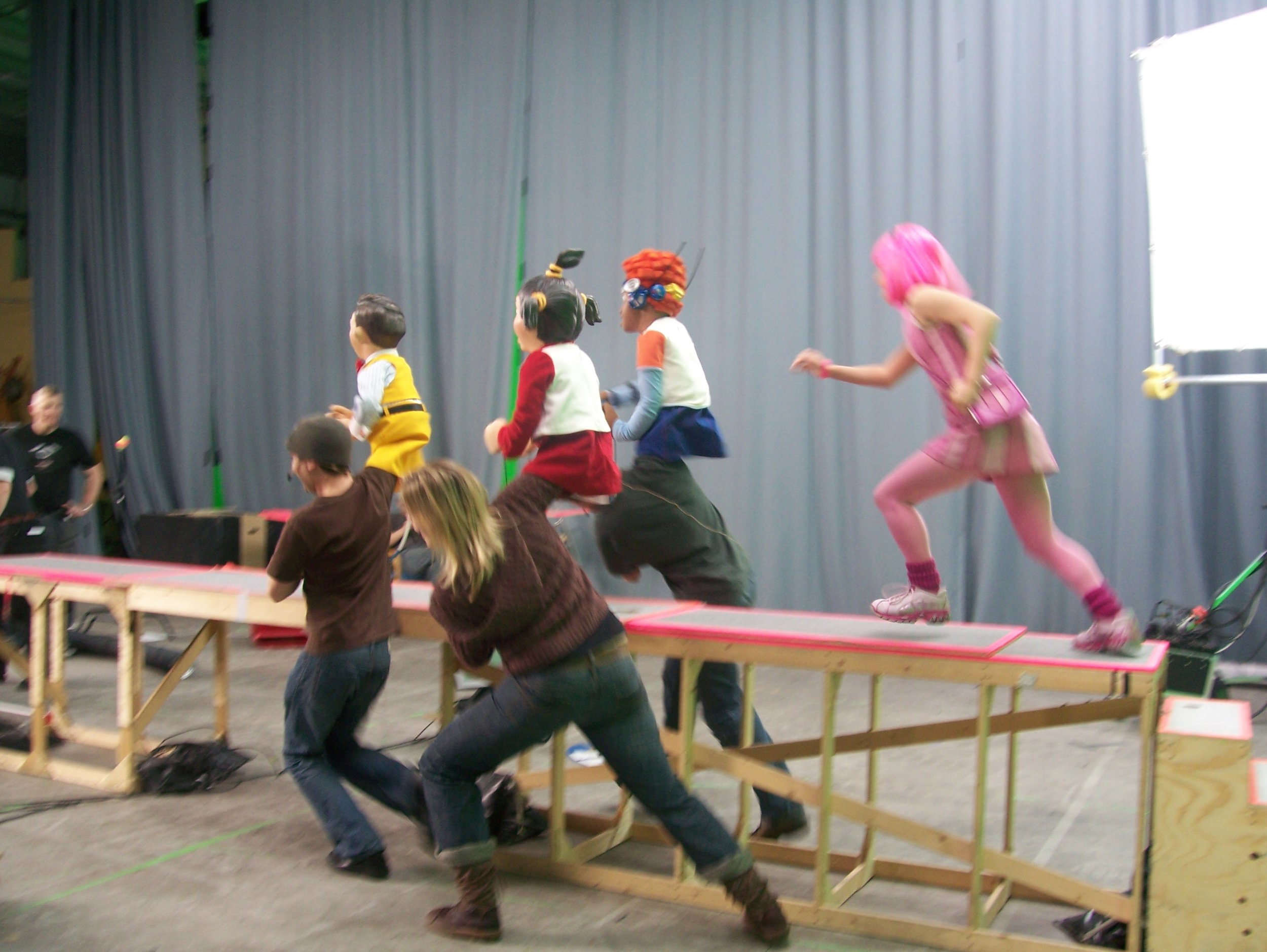 Lazytown- Puppets Running with Stephanie