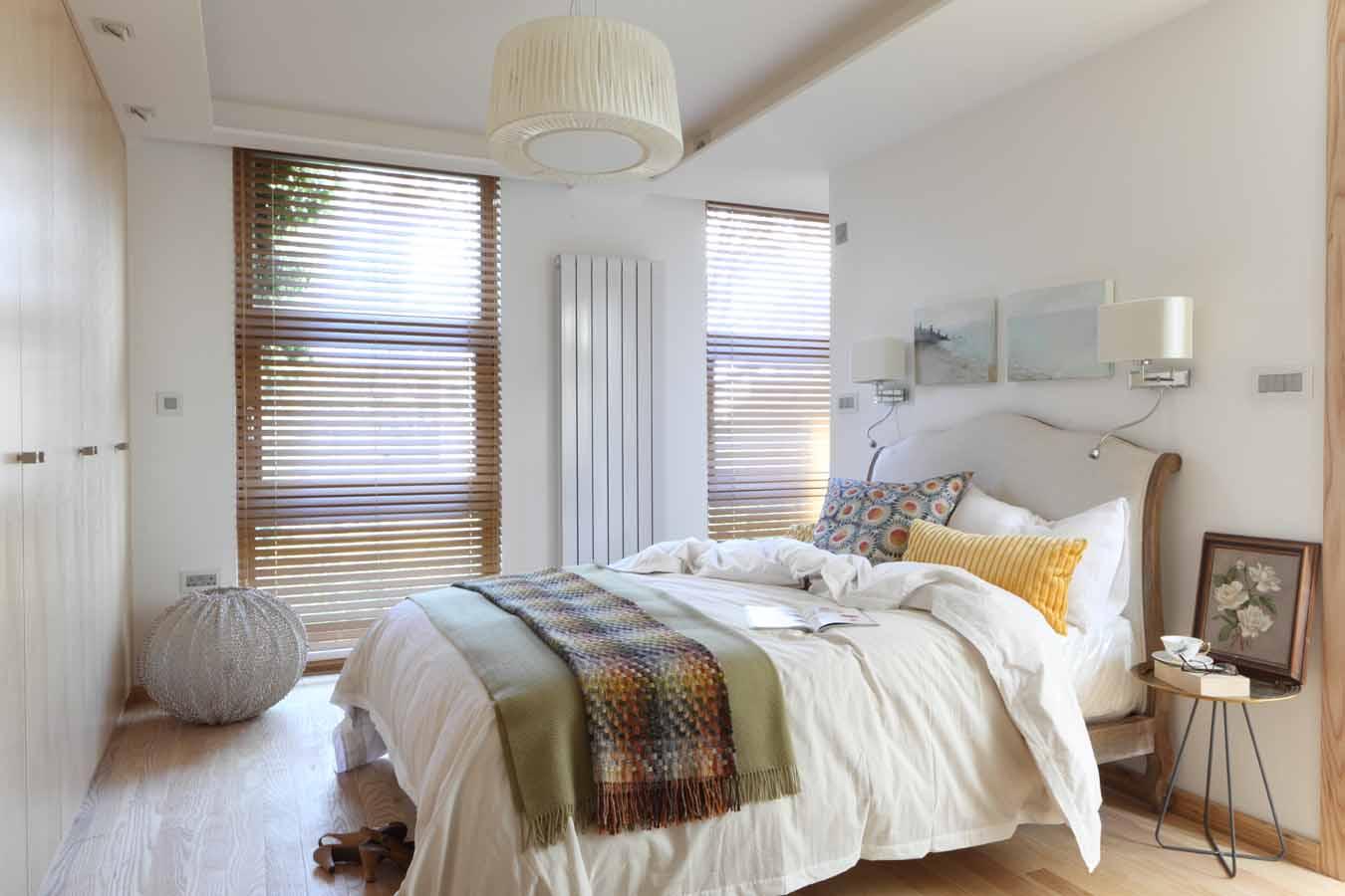 AJ_400_104  bedroom (1).jpg