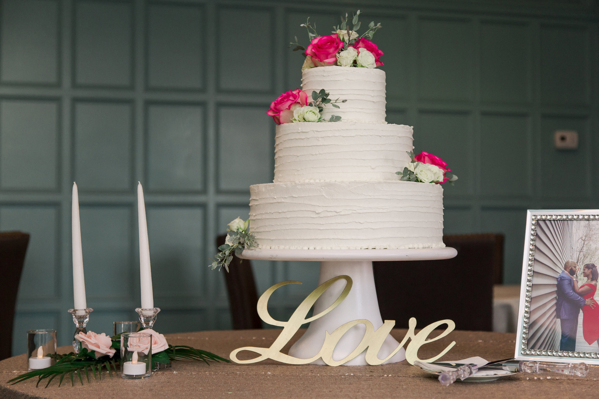 Cake by  Sweet Sensations   Photo by  Michelle Lee