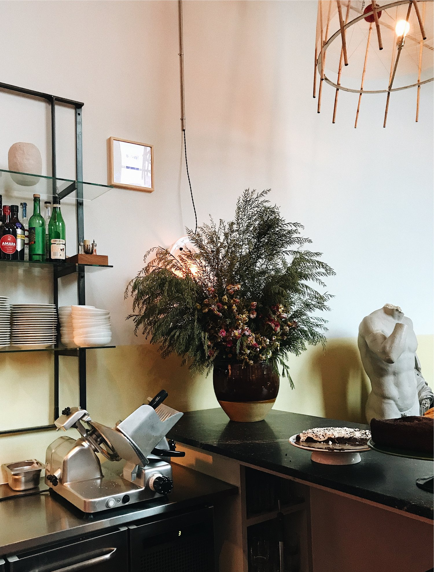 a little guide to copenhagen - a tiny curated collection of cafes, boutiques and aesthetic art galleries.