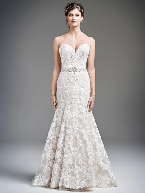 40% off sample gown- Now$1230.00 - Was 2050.00Size- 10IvoryDesigner- Private Collection