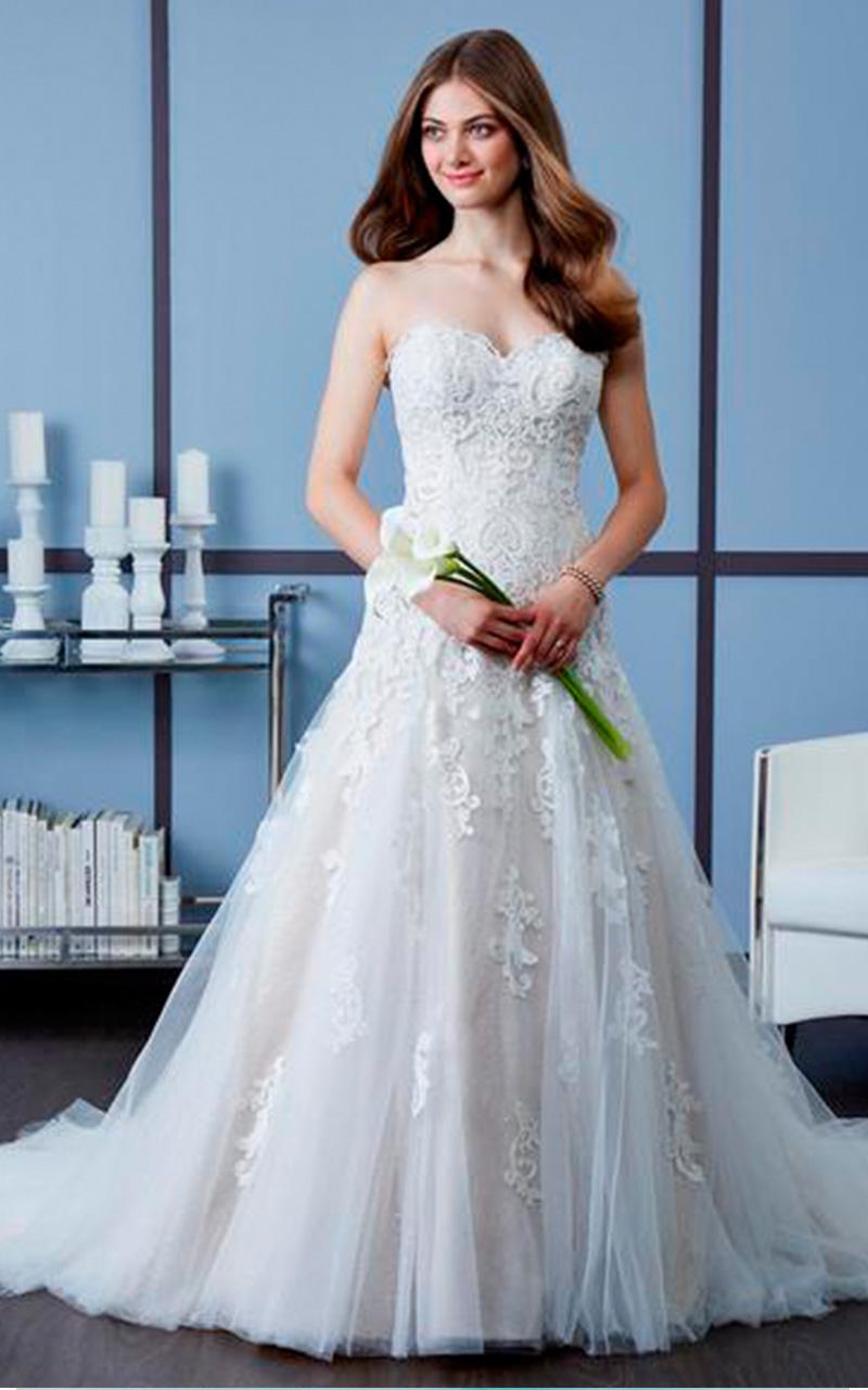 Romantic | Style 4607  Size 14, Iv/Wool IV  Reg. $1748.00  SALE $1048.80