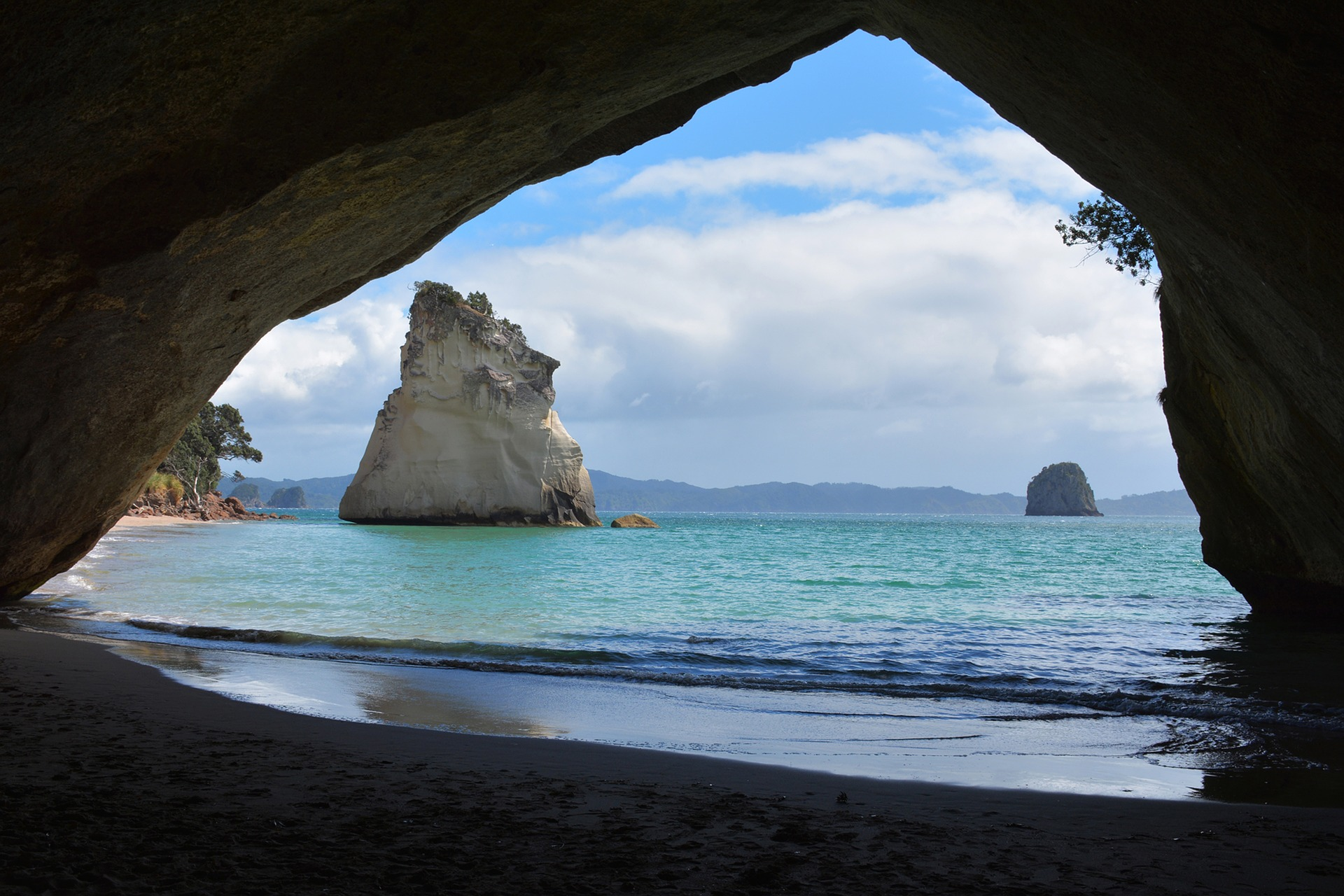 cathedral-cove-1592274_1920.jpg