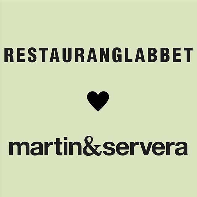 Martin & Servera och Restauranglabbet experimenterar om hållbarhet i framtidens restaurang!  Restauranglabbet och Martin & Servera har inlett ett samarbete i sin gemensamma ambition och strävan efter att utveckla hållbar restaurangdrift. Områden som samarbetet kommer att beröra är cirkulär ekonomi, matsvinn och foodtech.  Sedan några månader finns Martin & Servera X, vars syfte är att utveckla digitala tjänster som stärker Martin & Servera Restauranghandels position på marknaden. Det första experimentet som presenteras är ett samarbete med Restauranglabbet för att testa hållbara lösningar för framtidens restaurang.  Emilia Liljeström har rollen som chef för digitalisering och innovation på Martin & Servera Restauranghandel. - Vi vill driva innovation och digitalisering tillsammans med våra kunder. Syftet är att utveckla lösningar som kan hjälpa våra kunder att bli än mer framgångsrika, säger Emilia. - Ju snabbare vi vågar testa nya idéer, desto snabbare kommer vi lära oss och utvecklas, berättar Emilia. - Restauranglabbet handlar om precis just det, att testa framtidens lösningar, inte bara på pappret, utan i verklig restaurangdrift.  Johan Gottberg, är en av initiativtagarna till Restauranglabbet. - När jag etablerade Food Waste-rörelsen i Sverige för ett par år sedan var det bara ett första steg. Med Restauranglabbet vill vi ta hållbarhetsfrågan hela vägen. Jag är glad att Martin & Servera är med på den här resan som vår första samarbetspartner. Vi delar samma ambition - att uppgradera och säkra framtidens restaurangbransch, säger Johan  Restauranglabbet är ett unikt innovationsprojekt som undersöker hur hållbart och cirkulärt ett komplett restaurangsystem kan bli. Projektet samlar näringsliv och akademin under samma tak genom att tillhandahålla testbäddar för företag inom alla berörda branscher och kopplar samman dem med relevant forskning från bland annat från KTH. Analys och insikter manifesteras i en verklig kommersiell miljö, en riktig krog, startpunkten mot 