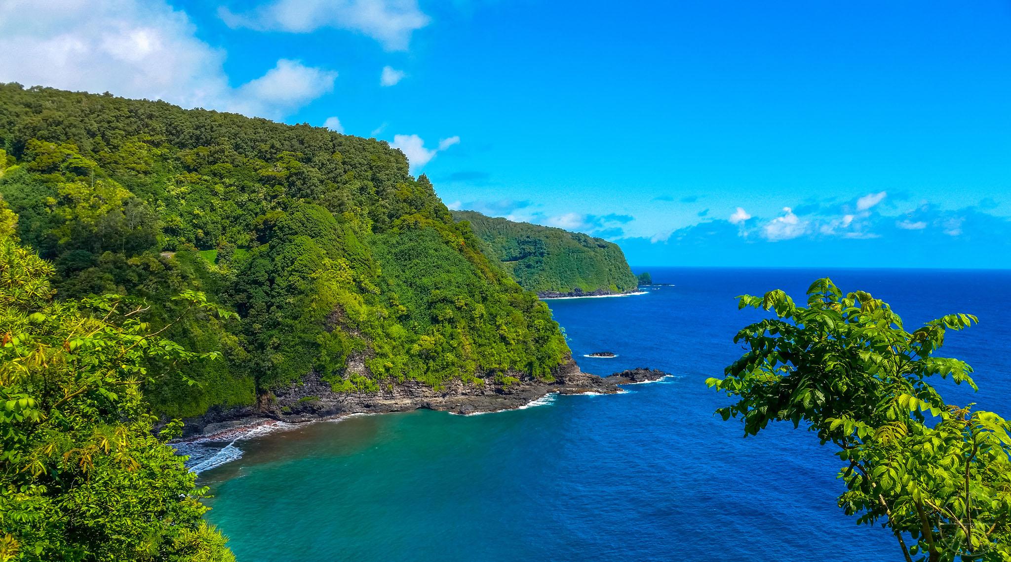 MauiHawaii_RoadToHanaOverlook_FACEBOOK.jpg