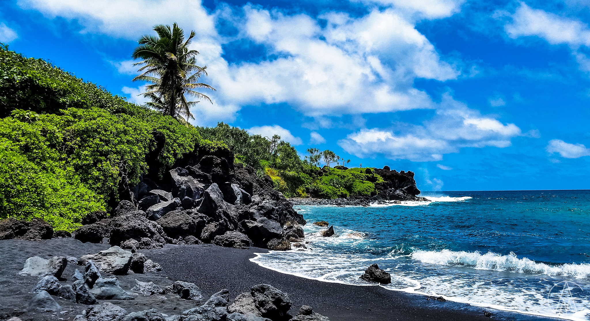 MauiHawaii_BlackSandBeach_FACEBOOK.jpg