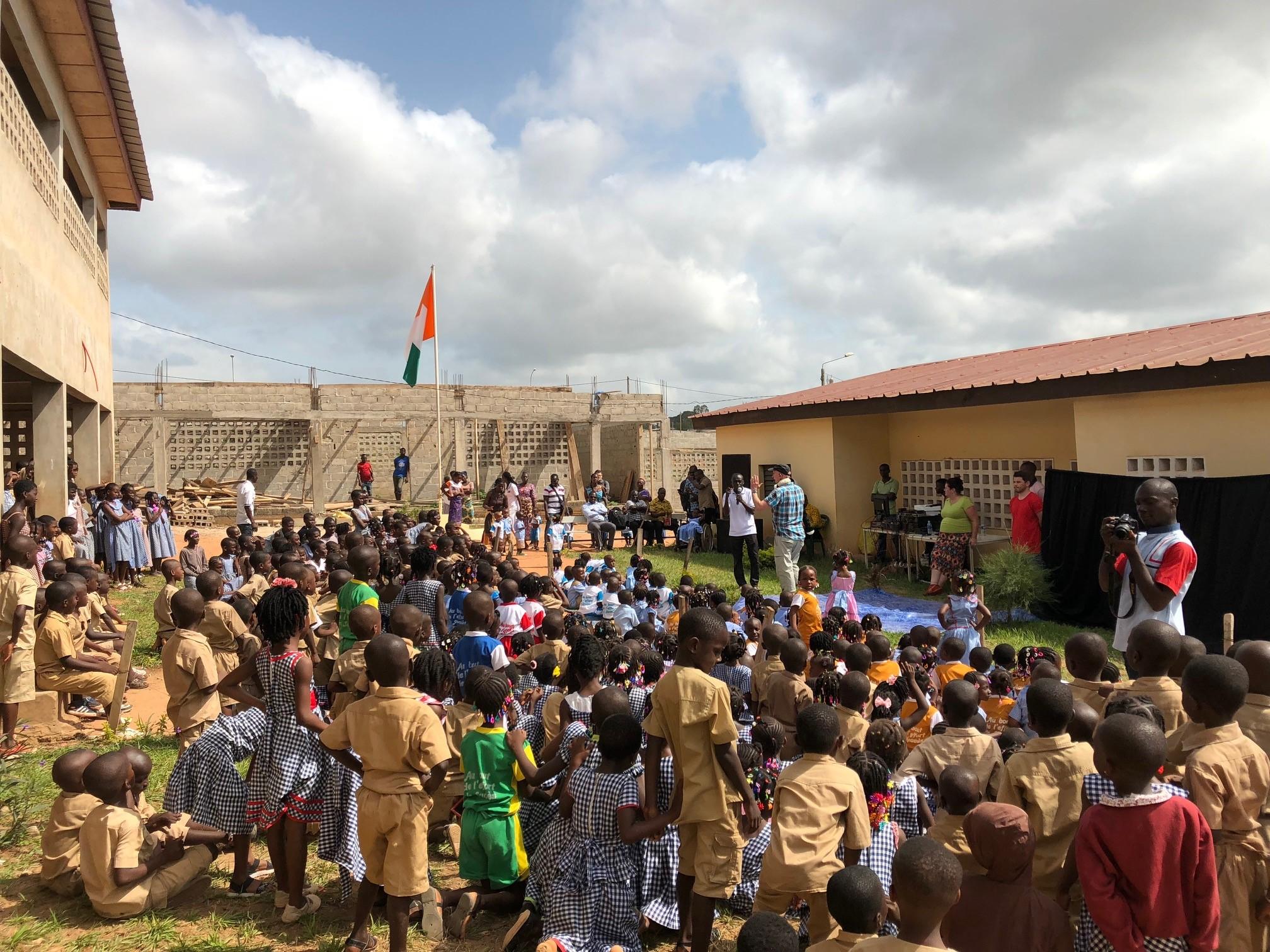 Dougie Dug Dug sharing the Good News in a school in Abidjan.