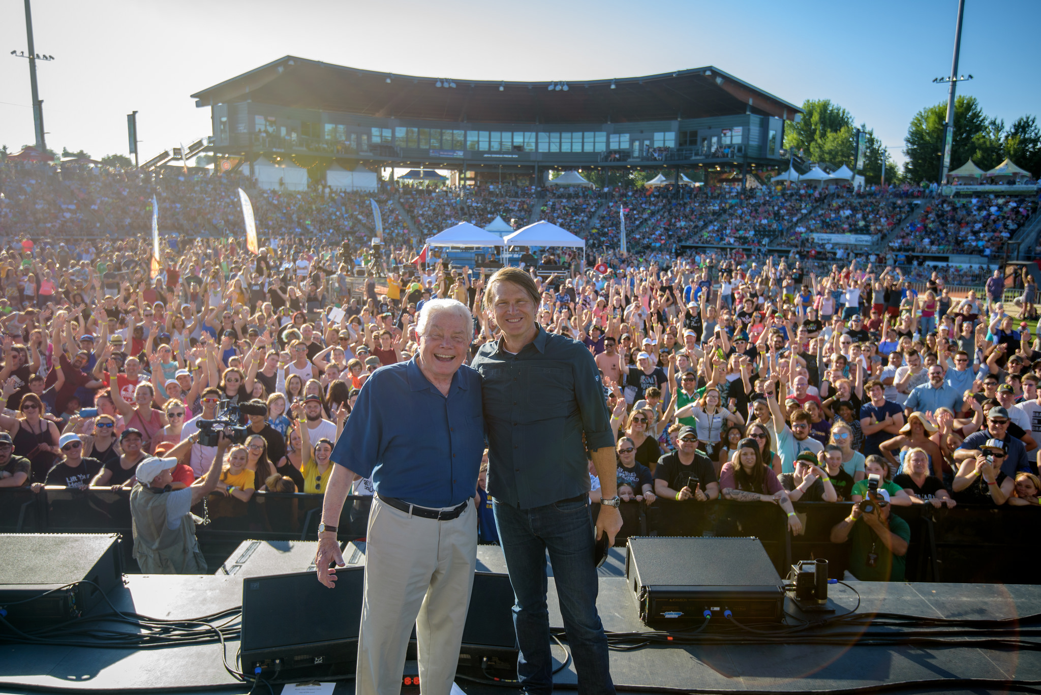 The recent festival in Eugene, Oregon gathers thousands to hear the Good News from Luis' son Andrew Palau.