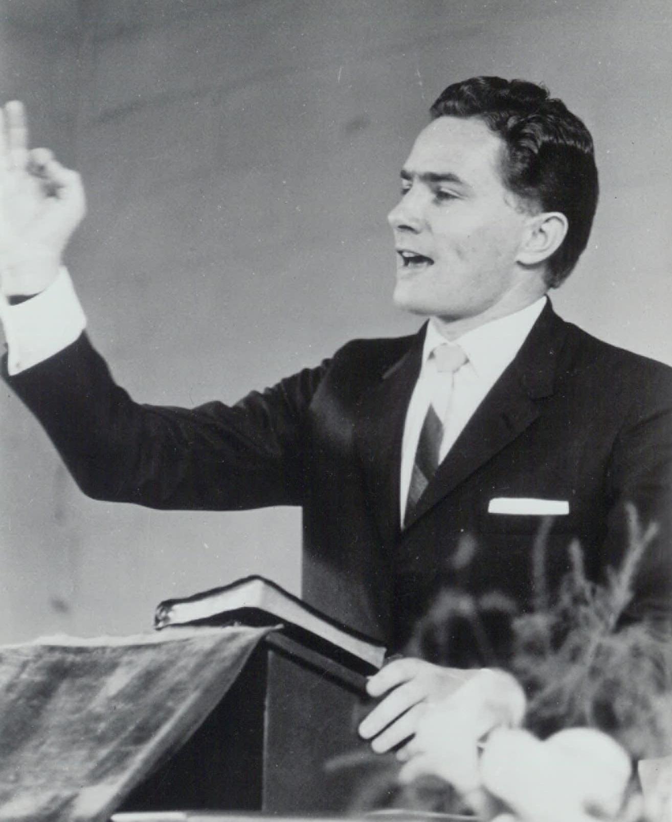 Luis preaching in Monterrey, Mexico (1968).