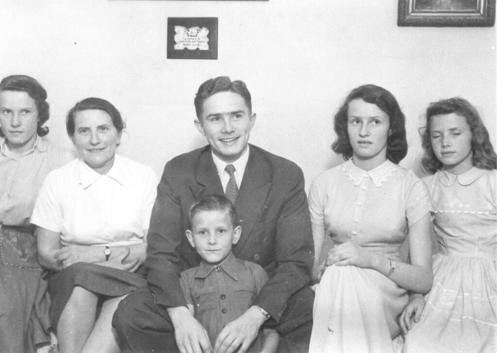 Luis (center) with his mother, three of his sisters, and his little brother.