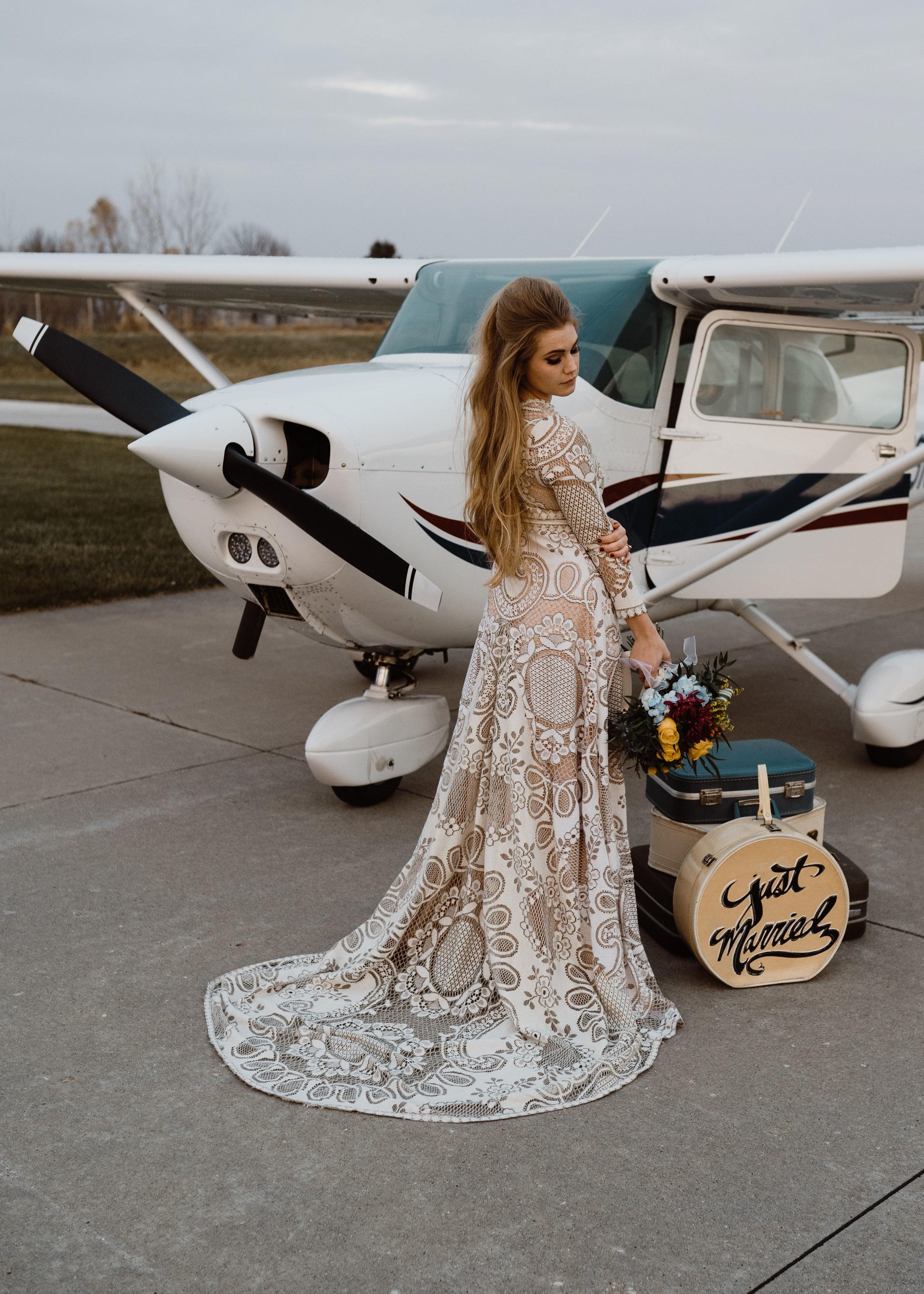 airport-wedding-elopement-ankeny-iowa-09.jpg