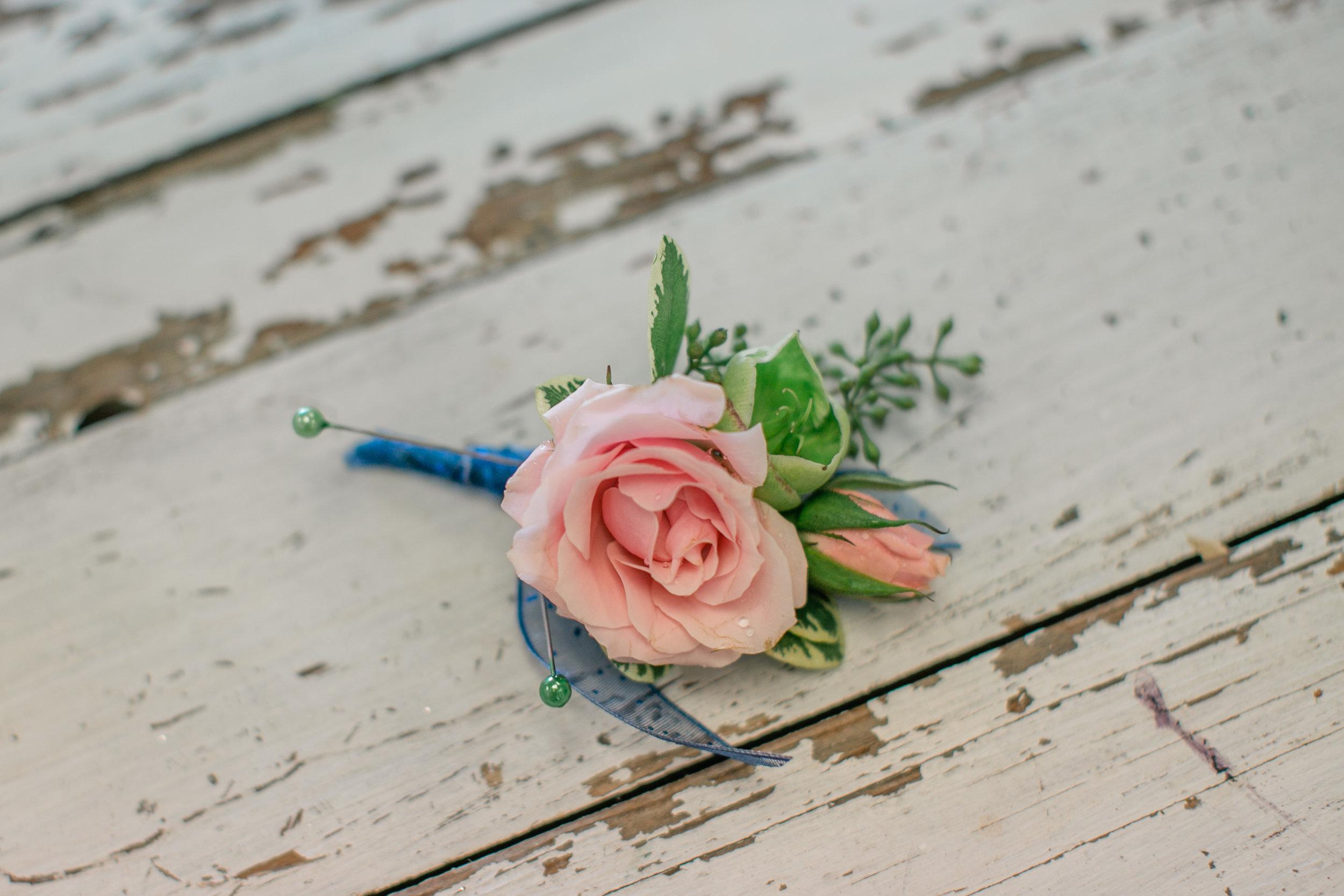 LAV-BLUE-des-moines-prom-flowers-7.jpg