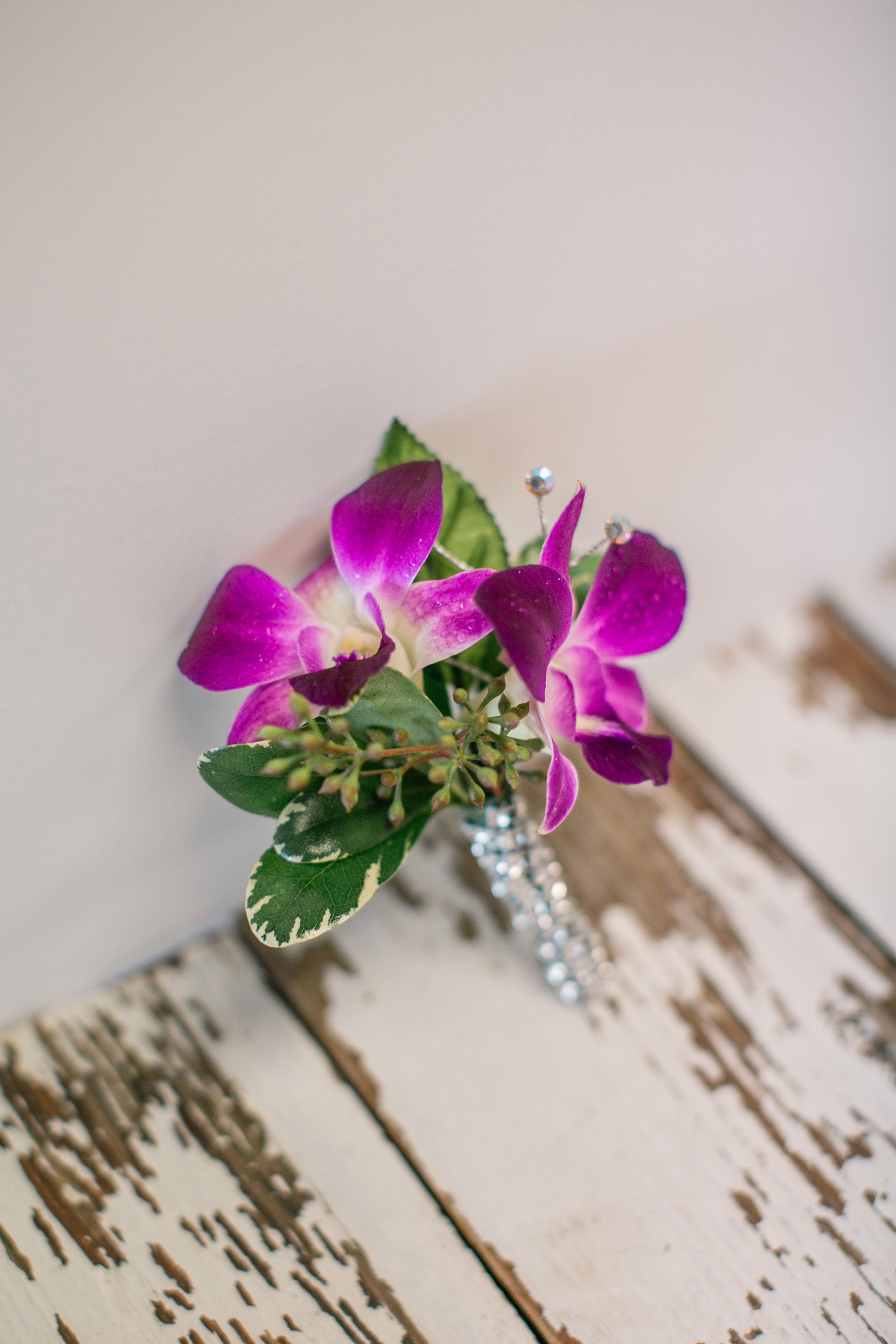 LAV-BLUE-des-moines-prom-flowers-14.jpg