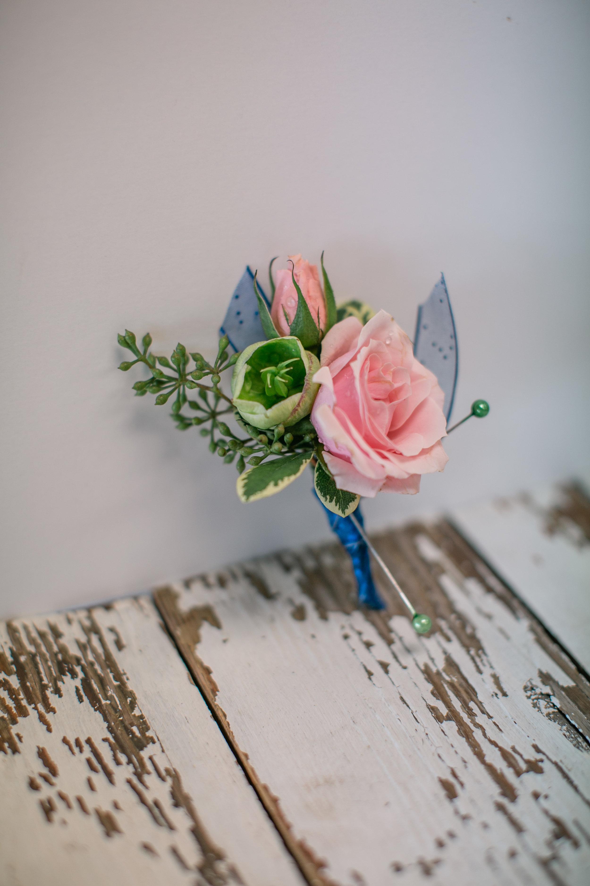 des moines prom flowers corsage boutonnière
