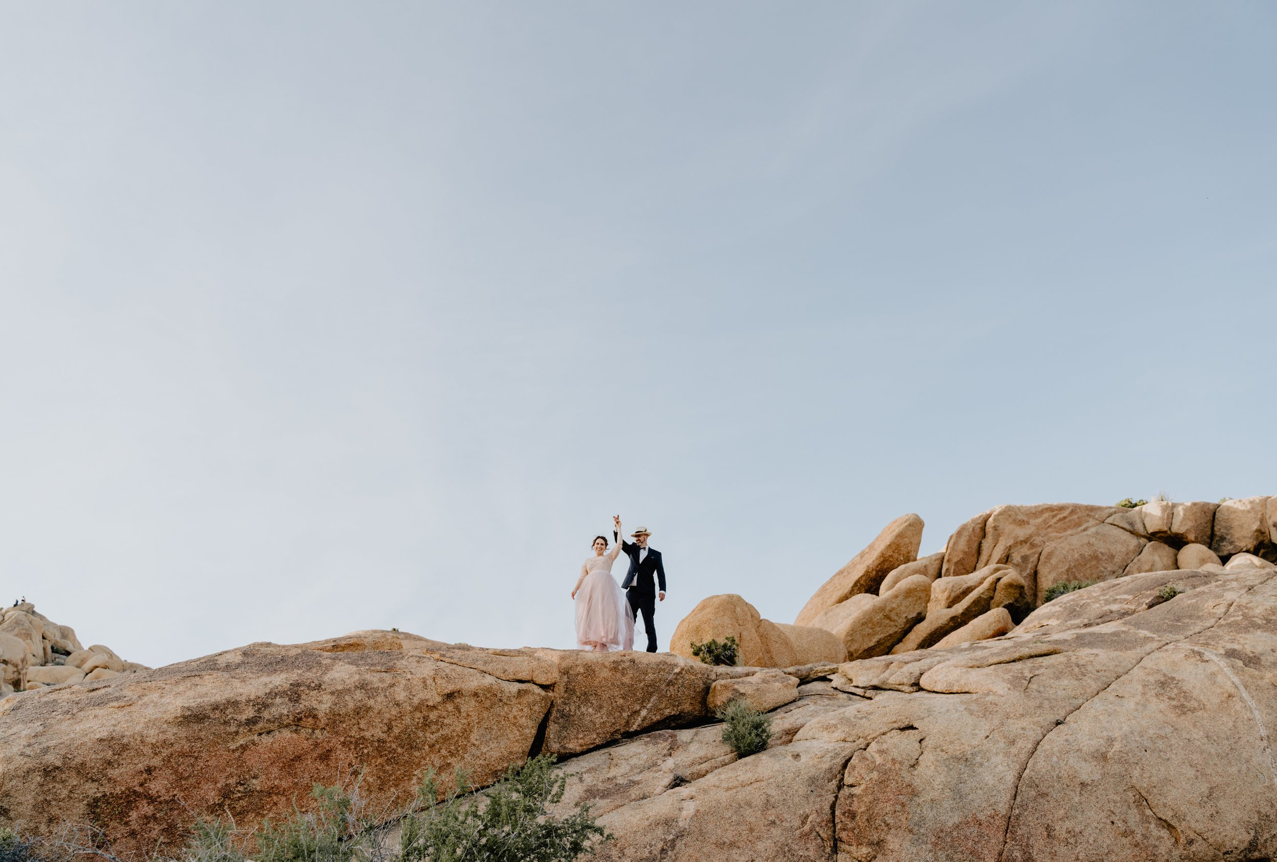 destination wedding and elopement photographer and videographer - based in Southern California, Los Angeles (socal based) for the wild and the madly in love - candid photos, modern films