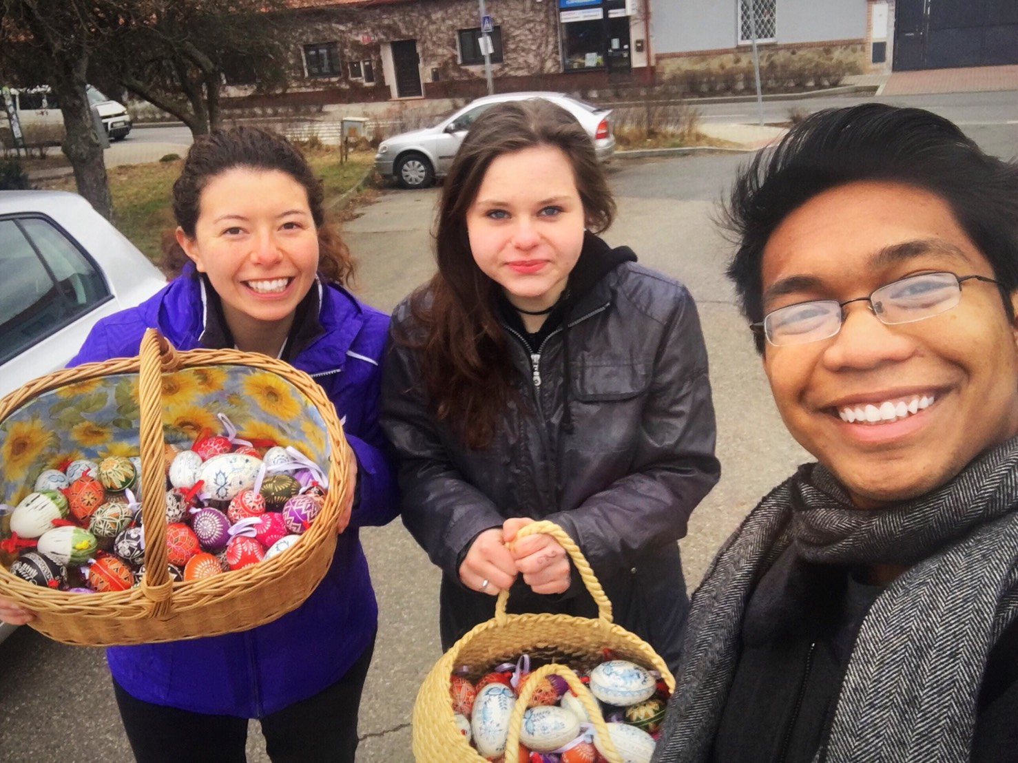 Fundraising with colorful Easter Eggs!