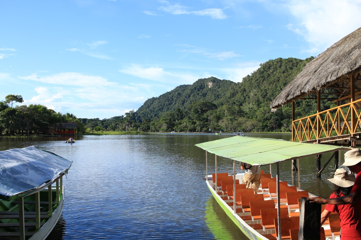 1.16 - Sightseeing, Lake, Boats.jpg