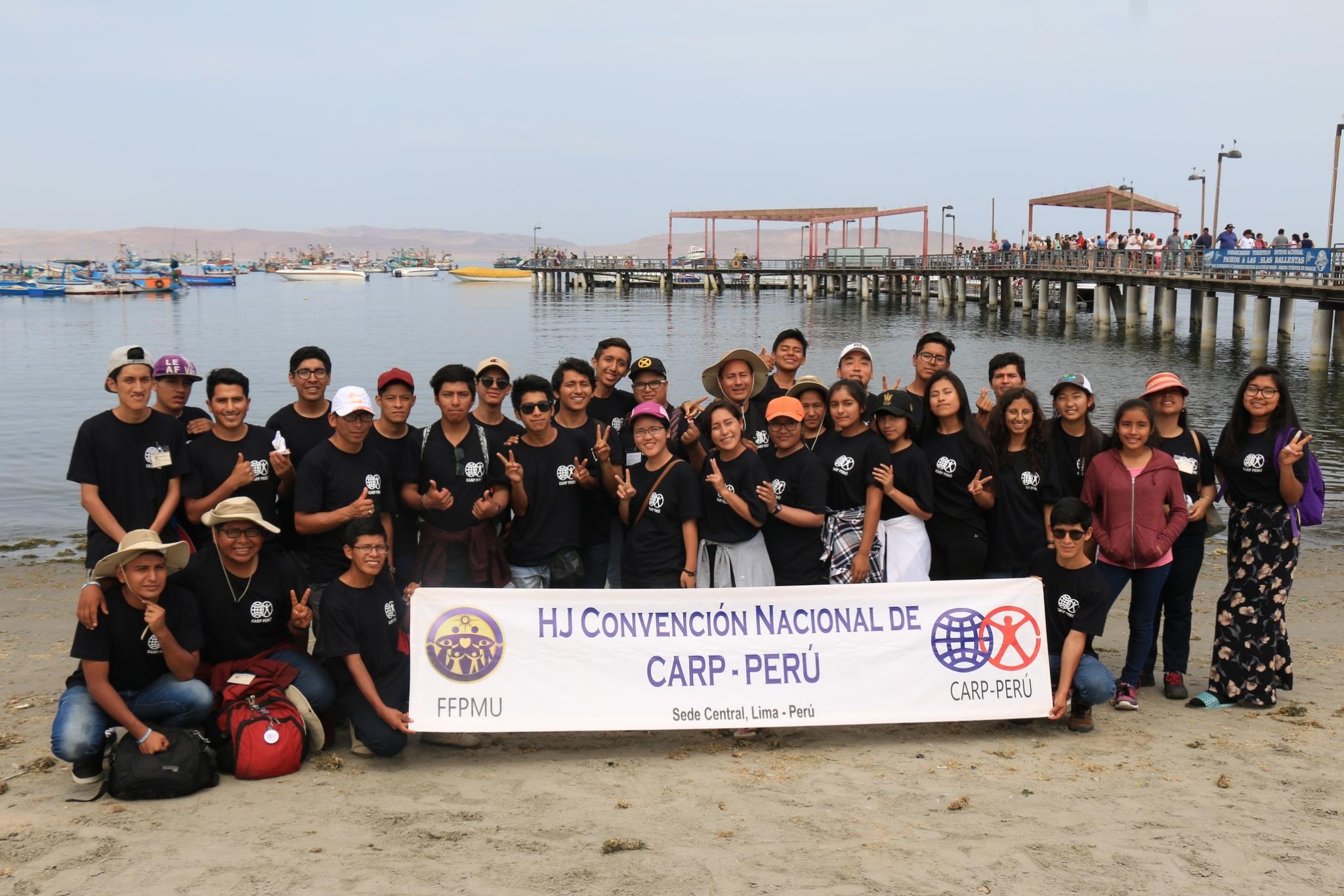Group Photo on the Beach!