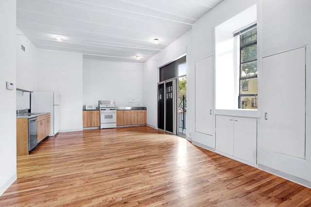 $2,200/month 1.0 BD | 1.0 BA | 750 SF  Gowanus  129 11th Street