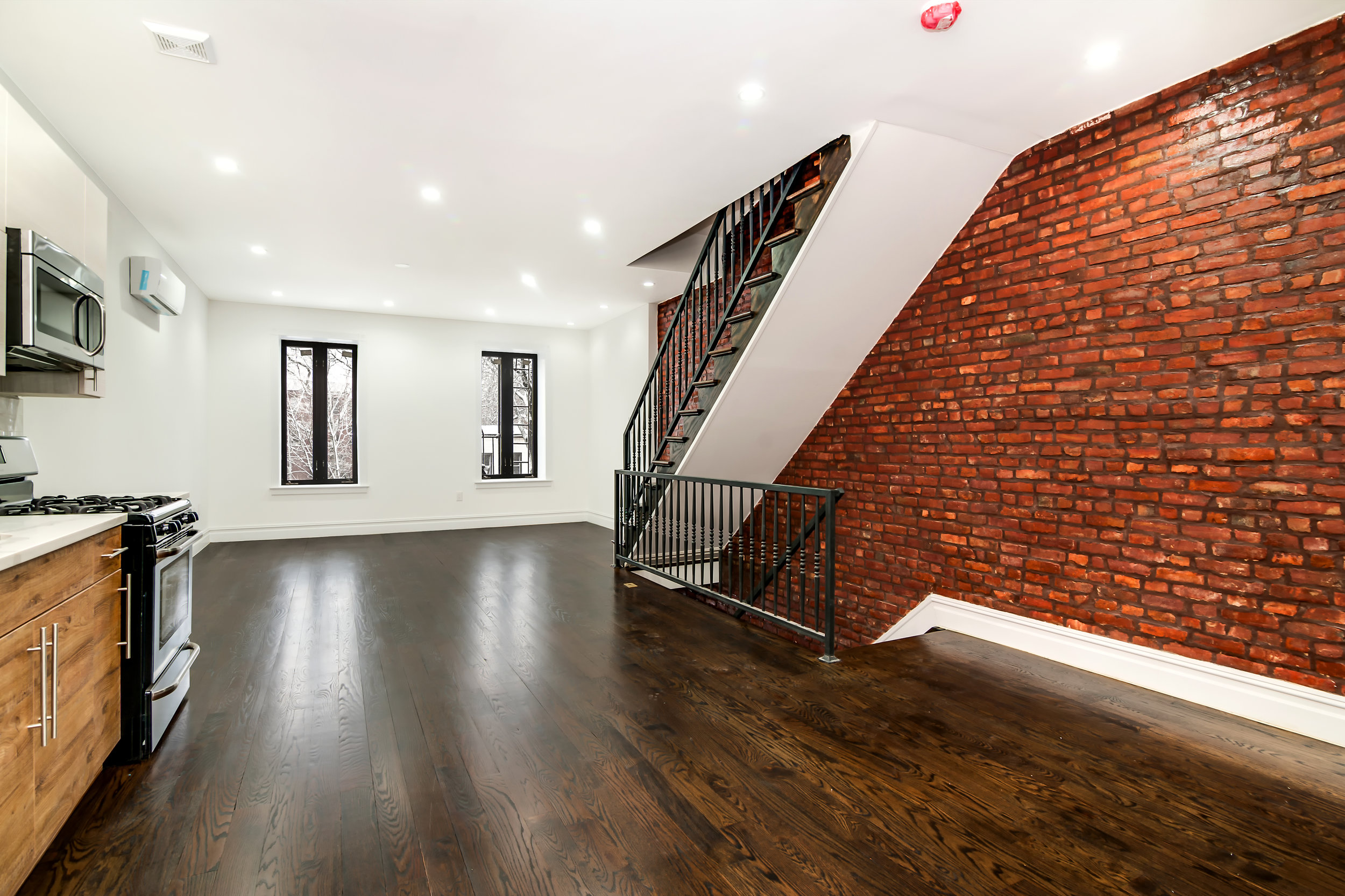 $3,600/month 3.0 BD | 2.0 BA | 1,380 SF  Bedford Stuyvesant  629A Madison Street