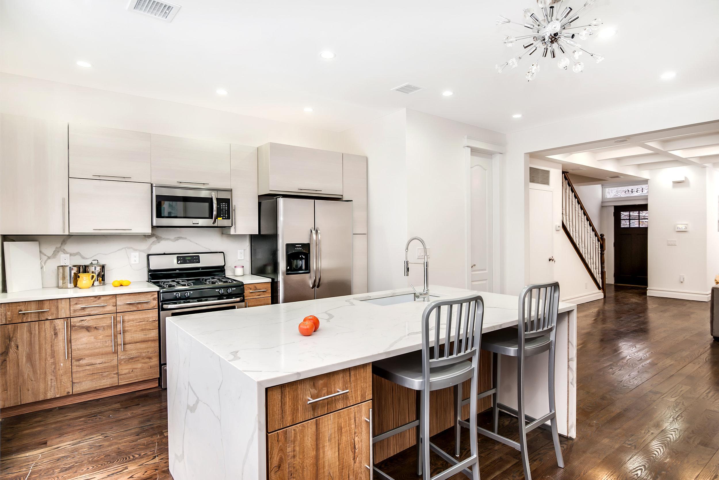 1346 Prospect Kitchen.jpg