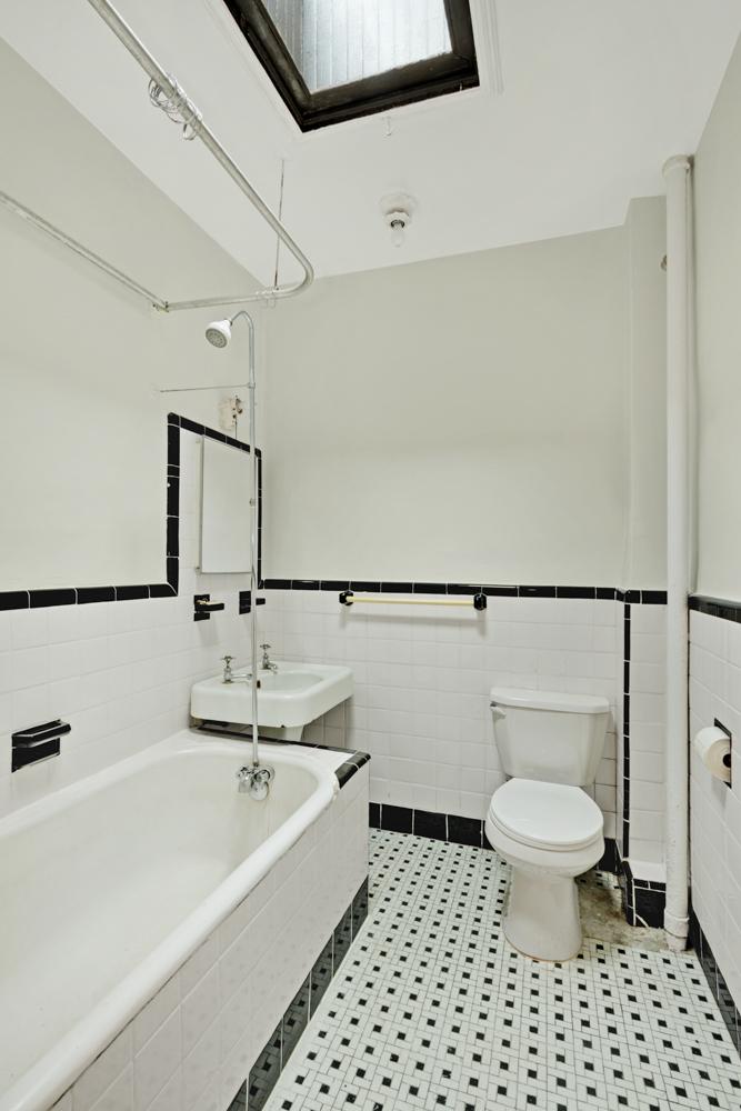 234 Carlton AVenue bathroom.jpg