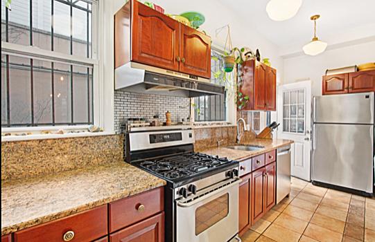 374 Adelphi Kitchen.PNG