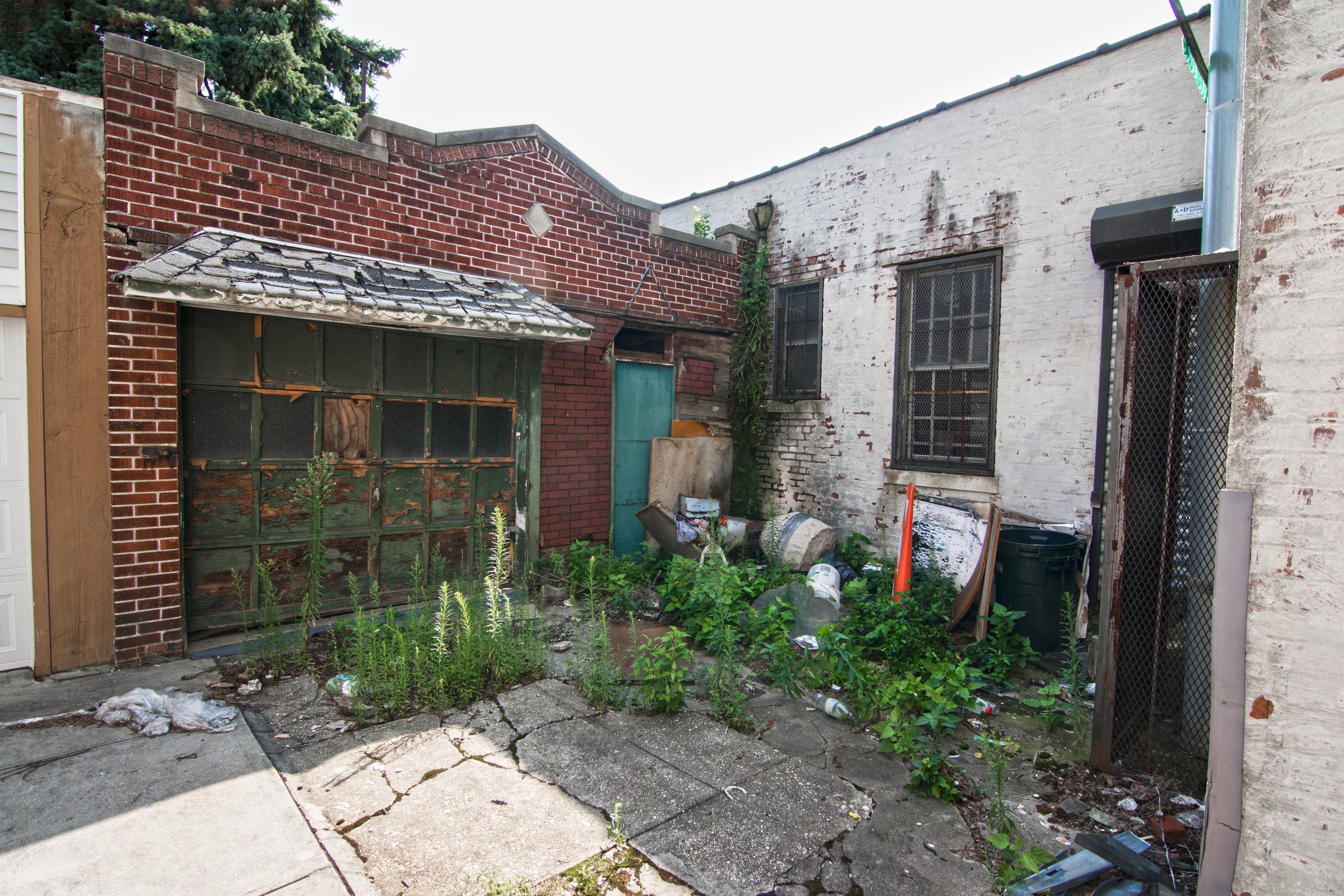507 Fairview Garage.jpg