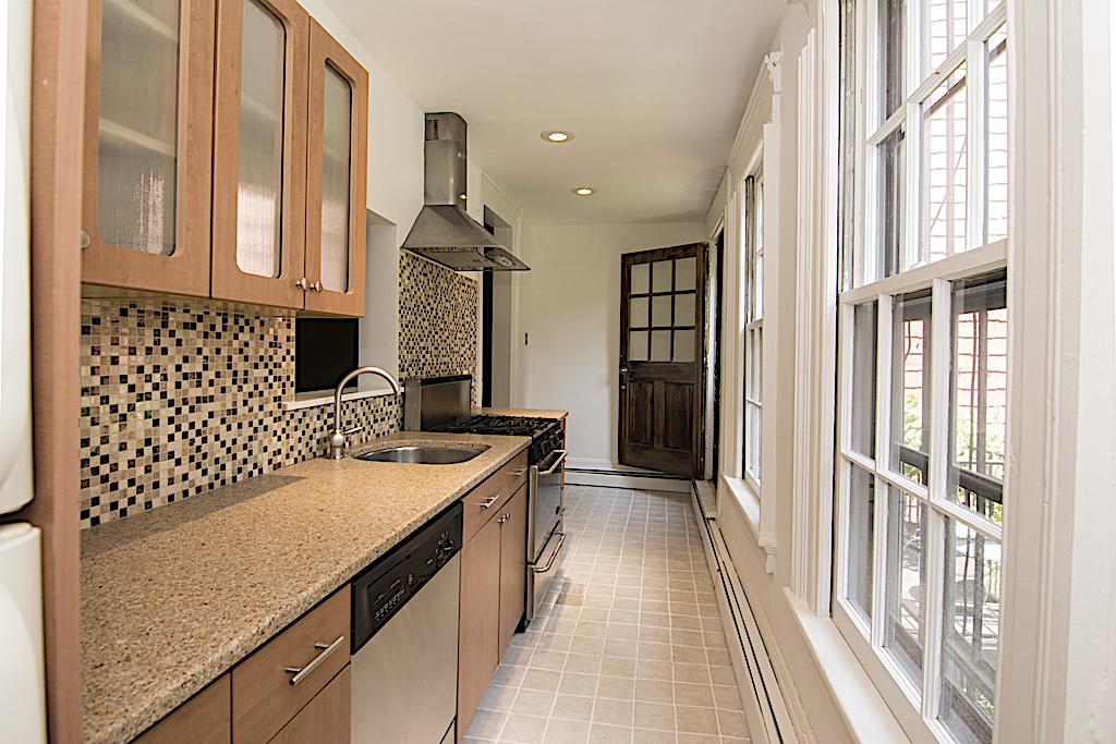 331 Adelphi Street Kitchen .jpg