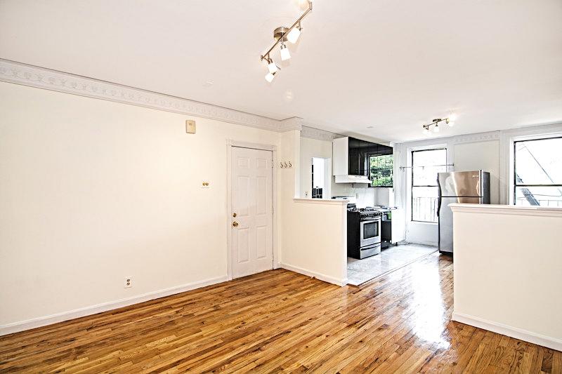 $3,200/month 2.0 BD | 1.0 BA | 650 SF  Fort Greene  217 Carlton Avenue, Apt. 2