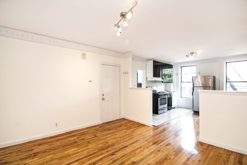 $3,200/month 2.0 BD | 1.0 BA | 650 SF  Fort Greene  217 Carlton Avenue